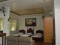 family-room-5.jpg